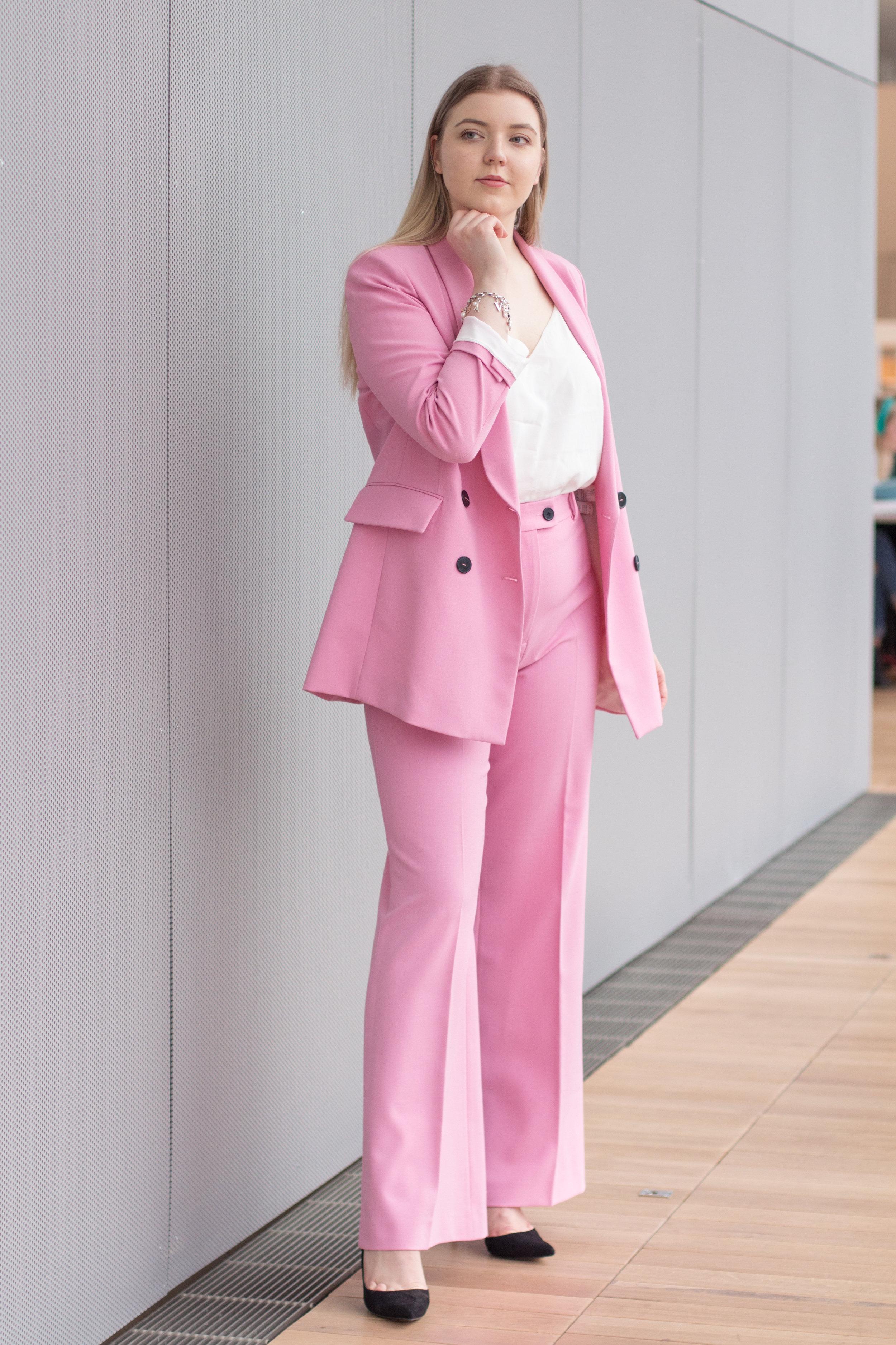 Barbie suit (7 of 18).jpg