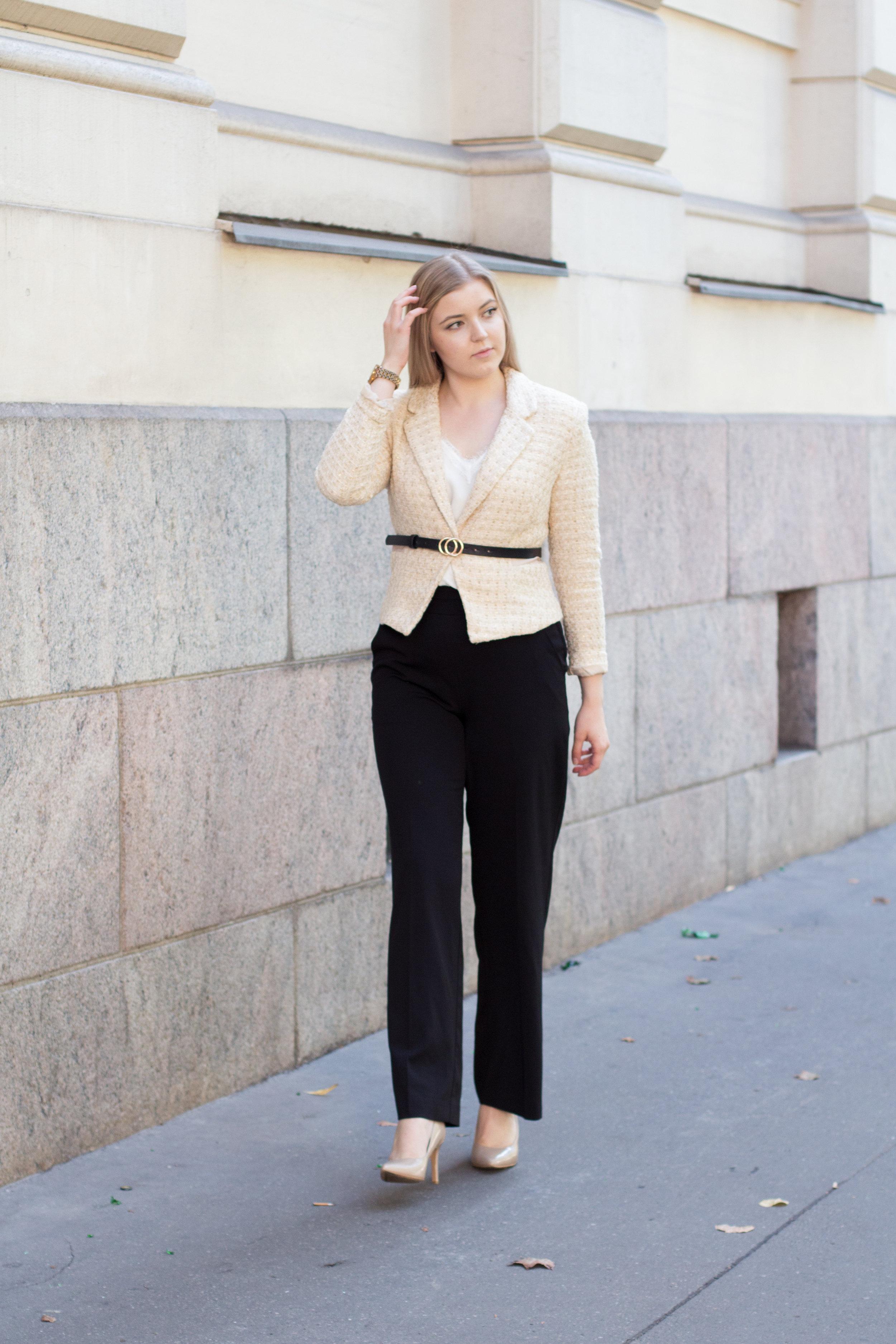 Chanel blazer (7 of 31).jpg
