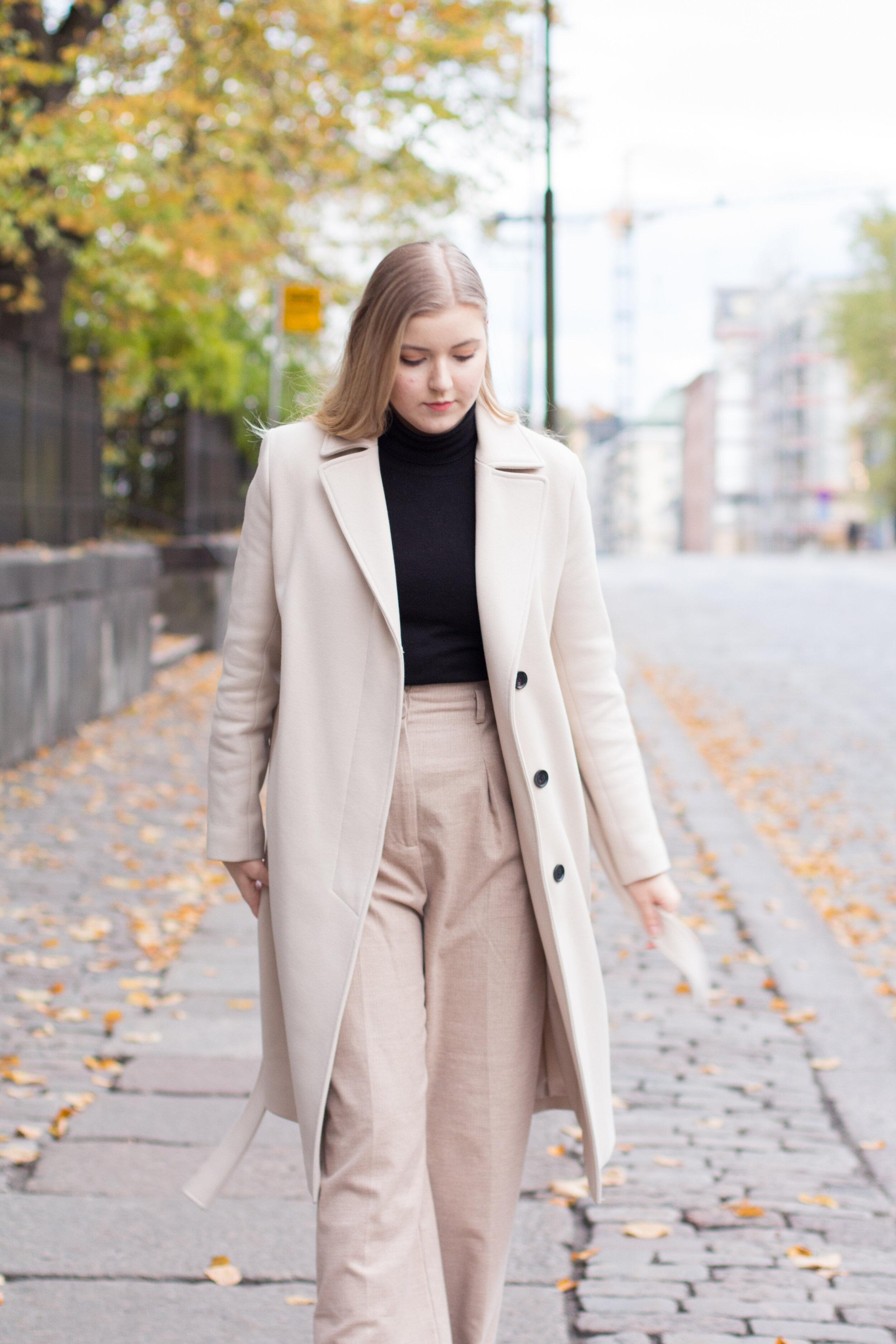 Beige coat outfit girl photo.jpg