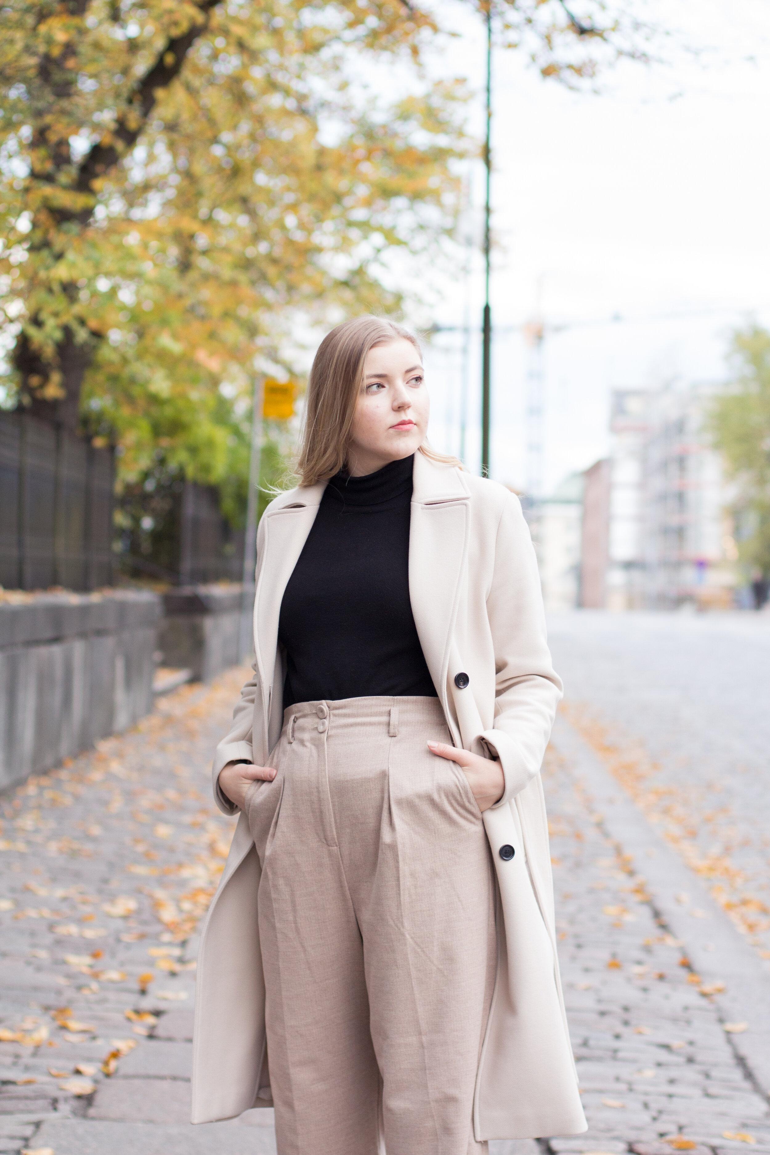 Beige coat outfit girl photo 2.jpg