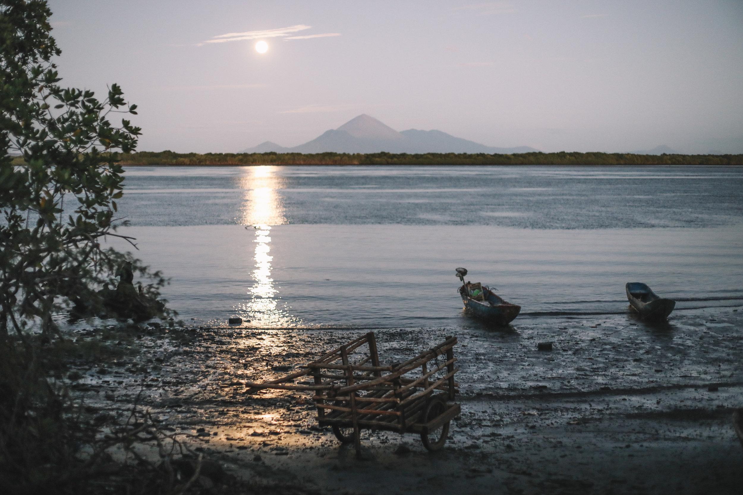 Moonrise over Puesta del Sol.
