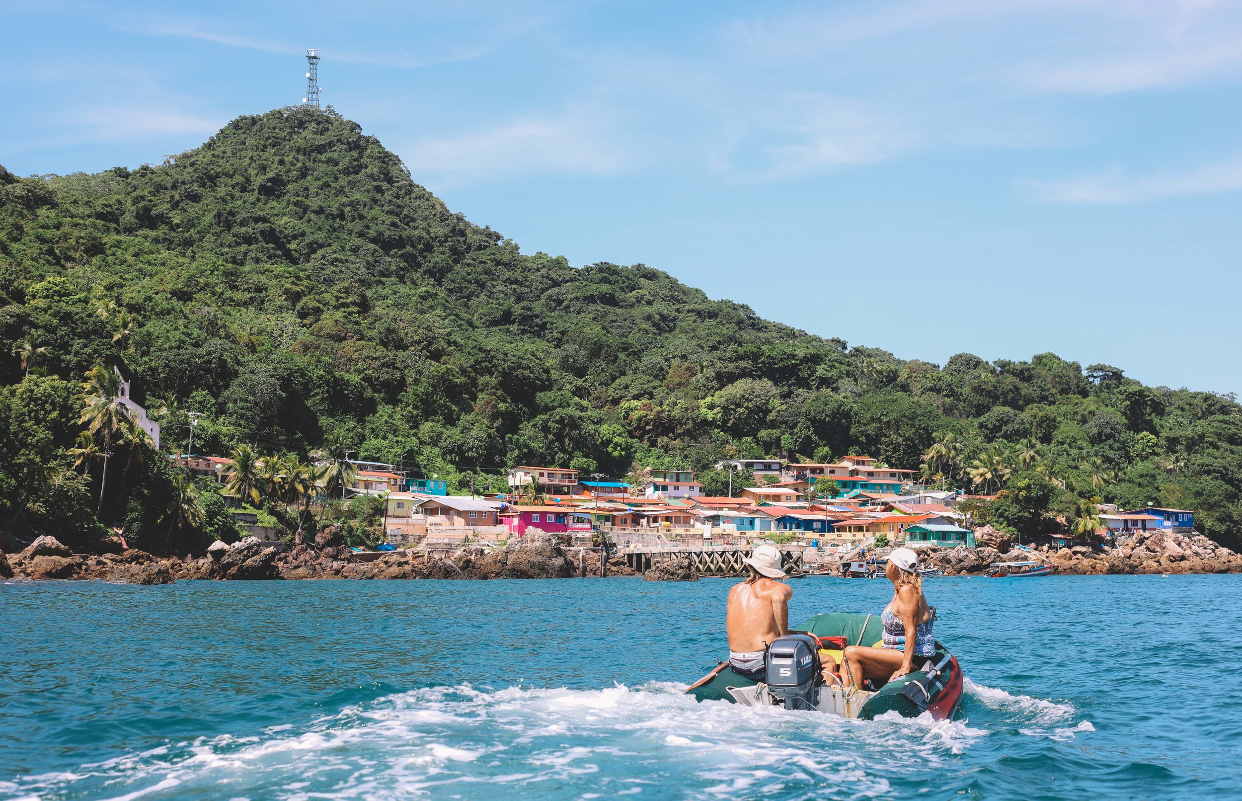 These islands are a perfect stop for boats traveling from Punta Mala or Marina Vista Mar to Panama City or the Las Perlas Islands.