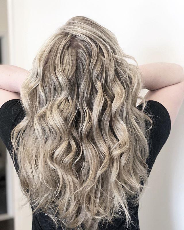 Hello, May 🌸  It's time to rock those bright locks with some balayage magic. Stylist: Laura P.  #balayage #blondbombshell #milfordsalon #beautysalon #hair #blondbalayage