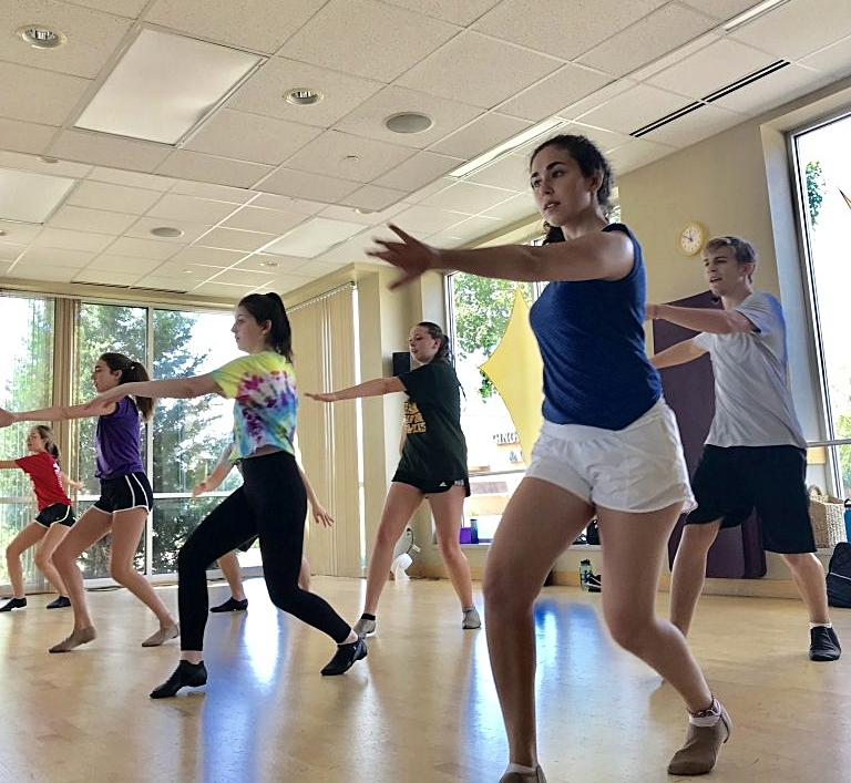 Dance Classes at Heartline Theatricals
