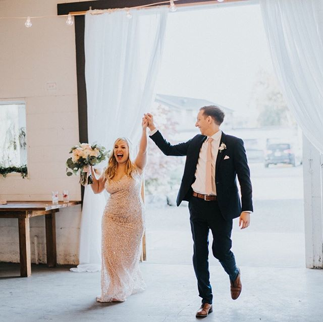 I met Jenny & Ben at the Snohomish Wedding Tour in 2017 and we hit it off right away! We worked together for about a year and it was so much fun seeing their wedding vision come to life last September. I can't wait to see who we meet at the tour this year! Is it on your calendar? Meet us at Crossroads, Sunday June 2nd from 10am-5pm. Be there or be square (or should I say, be there and be square ... get it? Because we're Block Weddings) Ok, done with the name puns. 😂 ⠀⠀⠀⠀⠀⠀⠀⠀⠀ #mysnohomishwedding #snohomishtour #snohomishtour2019 #snohomishweddingtour #snohomishweddingtour2019 #weddingshow2019 #bridetobe #groomtobe #gettingmarried #weddingplanning #weddingtour #engaged #funwithpuns