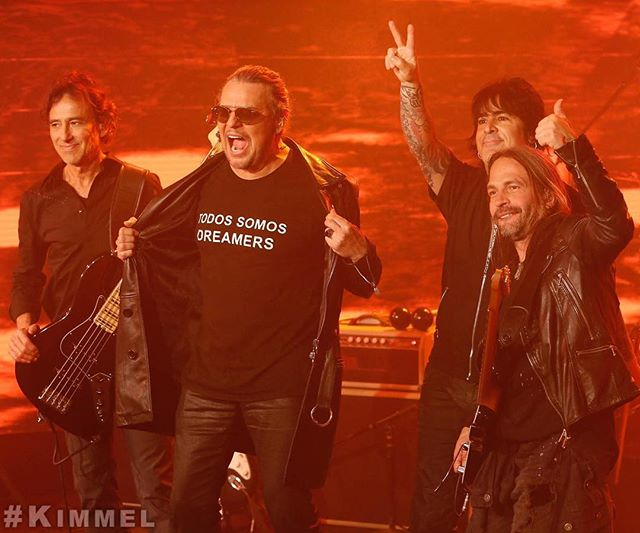 TODOS SOMOS DREAMERS ✊🏾🎶 #mana x @jimmykimmellive | Rayando El Sól Tour @manaoficial tix on sale starting Friday, March 3rd @livenation