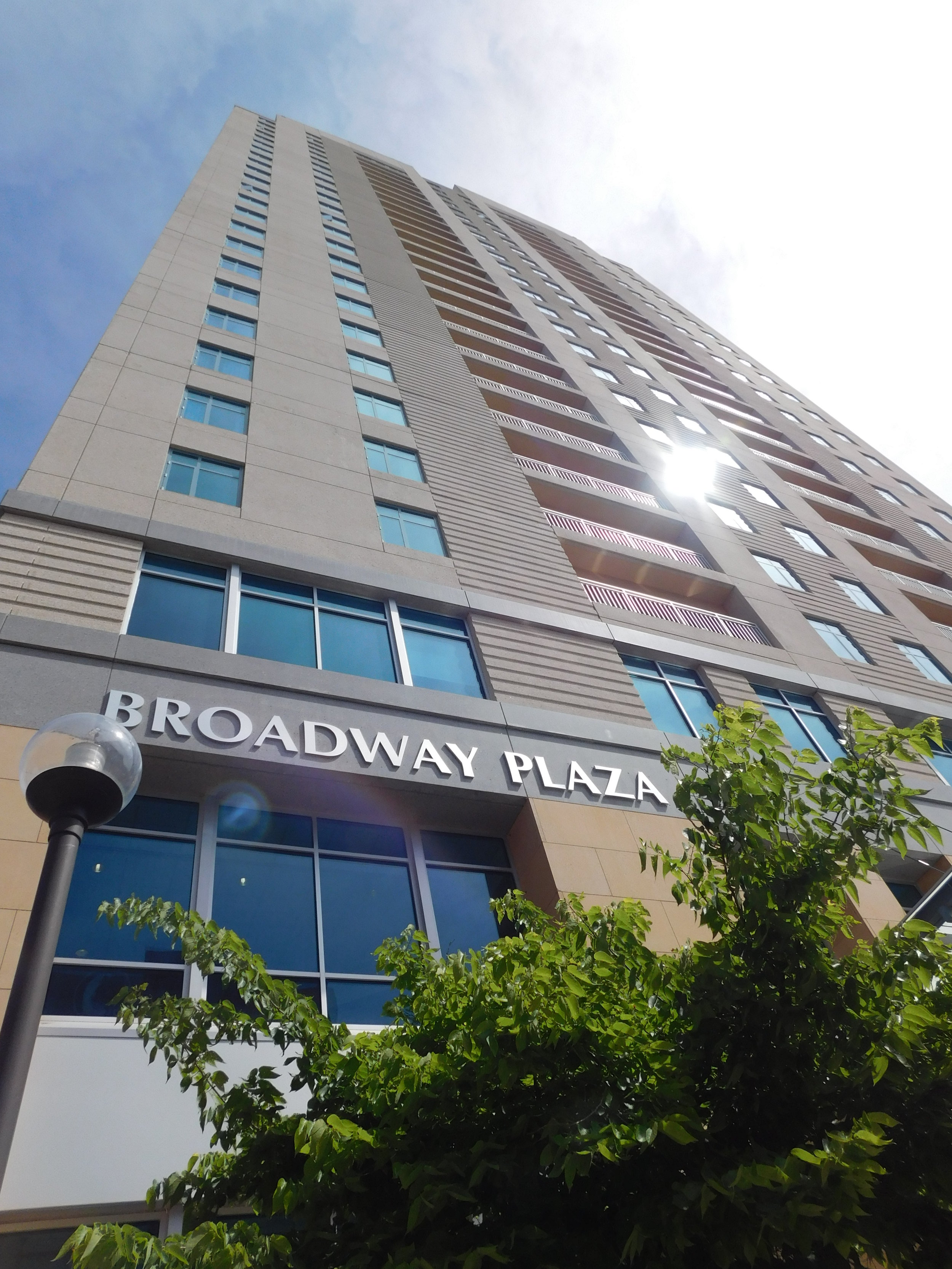 Broadway Plaza - Mayo Clinic offers short hotel stays, extended stays, and apartment leases in Rochester, Minnesota.