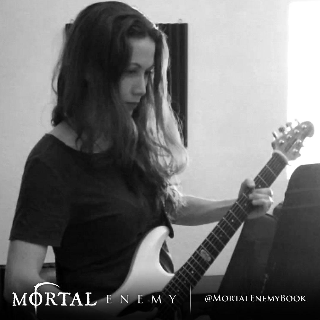 Gretchen Menn -   Guitar