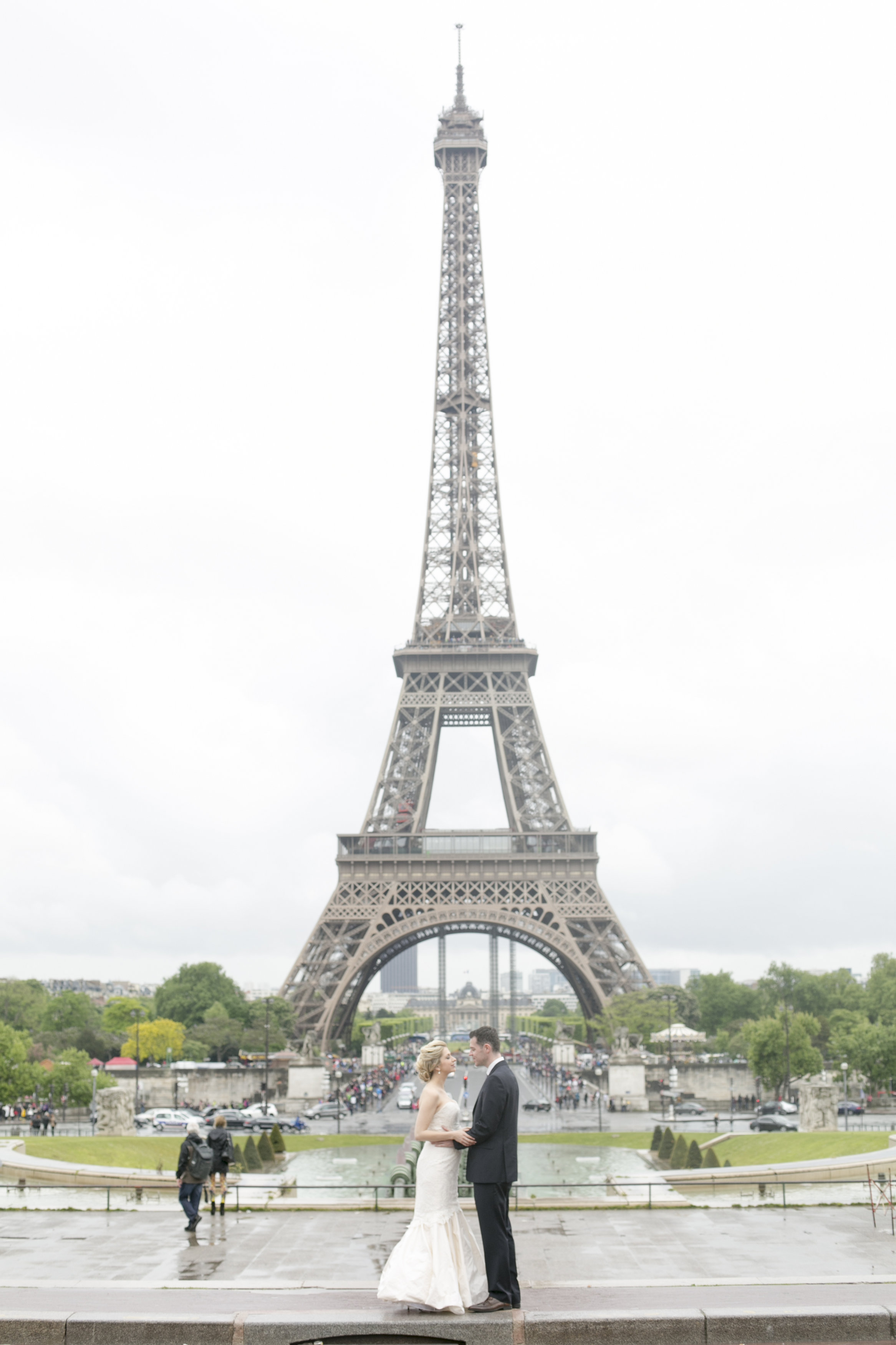 Megan-Julien-Wedding-Paris-First-Look-0019.jpg