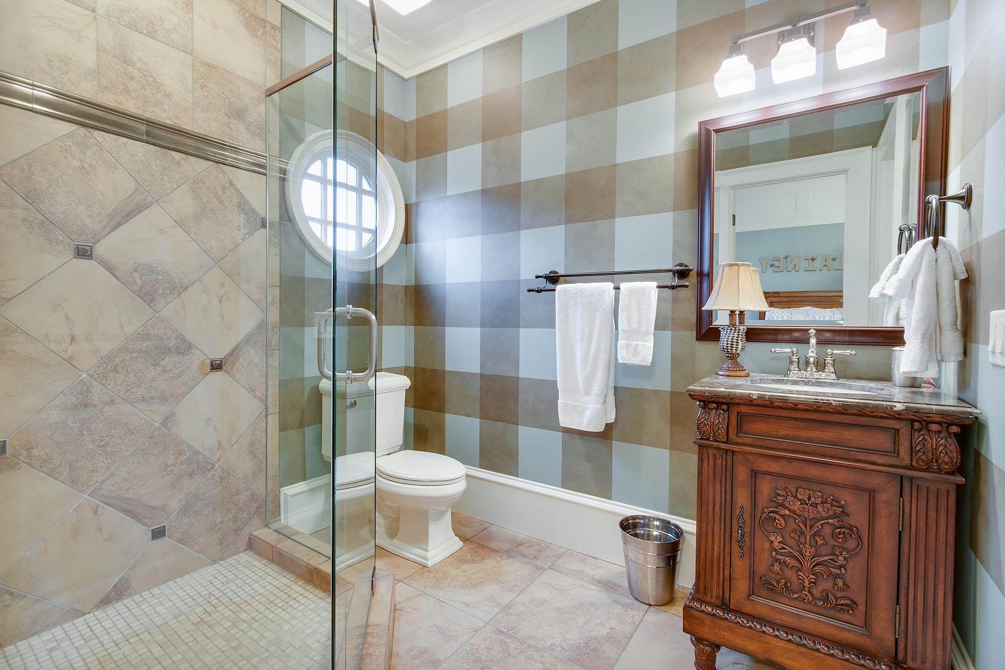 Bath-004.jpg