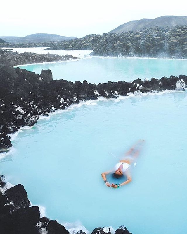 Chilling in the blue lagoon of Iceland || 📸 : @travelawesome