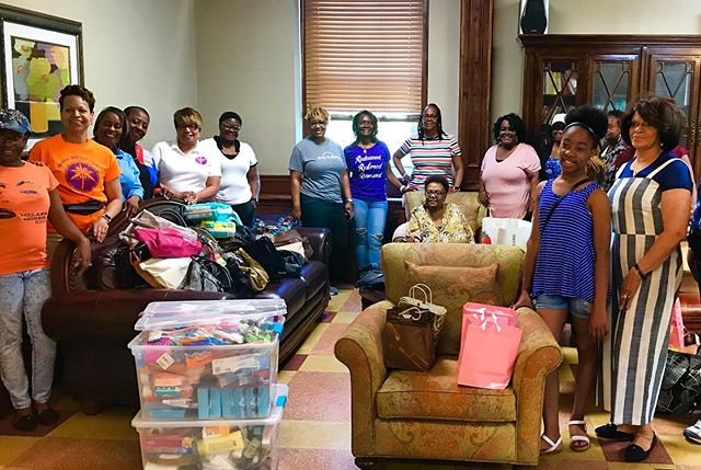We would like to shine the Volunteer Spotlight on the amazing Women of Central Baptist Church who came to Queen of Peace Center last Saturday to bring donations and serve lunch to our clients.  We are so overwhelmed by their generosity and willingness to give their time to support our clients in their journey to recovery.  #breakthecycle #nonprofit #substanceusedisorder #volunteer