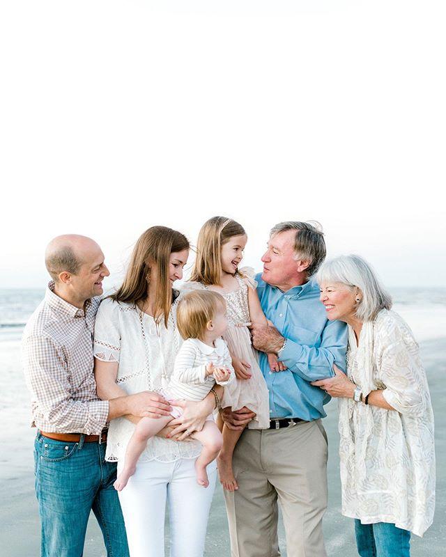 Family is everything 🥰 . . . . . #family #familyphotography #familyphotos #familypictures #grandparents #galveston #houstonphotographers #extendedfamily #houstonfamilyphotographer #htx
