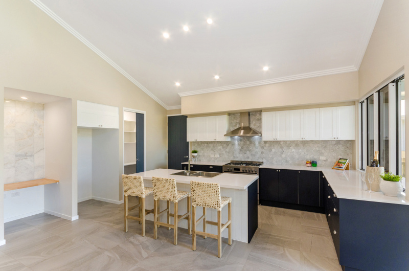 EllisDevelopments_KitchenStudy_Hamptons_Townsville_BuildersBlogHeader_GorgeousDesign.jpg