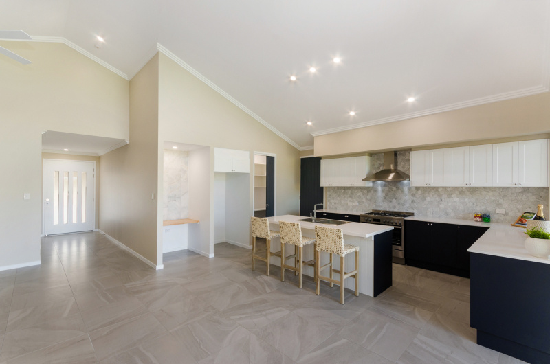 EllisDevelopments_Living_Hamptons_Townsville_BuildersBlogHeader_GorgeousDesign.jpg