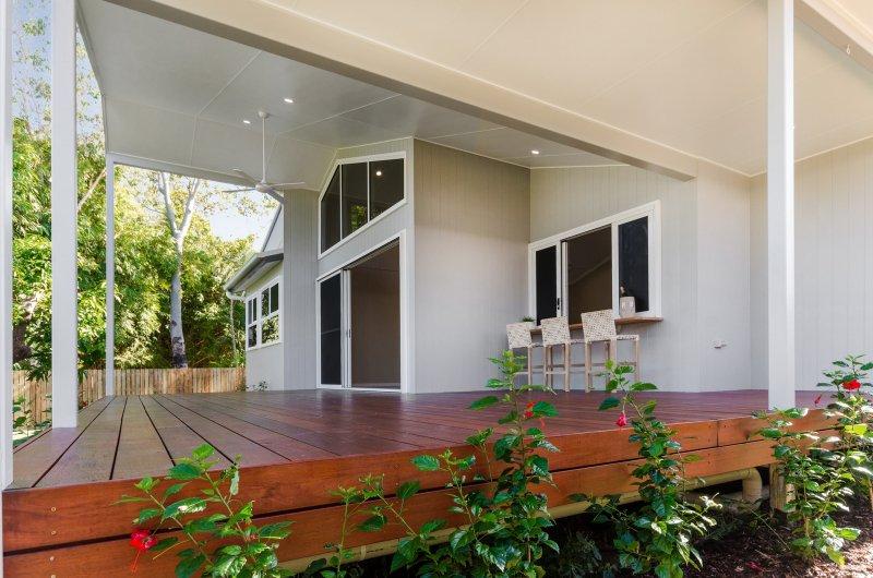 EllisDevelopments_Patio_Hamptons_Townsville_BuildersBlogHeader_GorgeousDesign.jpg