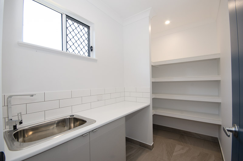 EllisDevelopments_Laundry_Hamptons_Townsville_BuildersBlogHeader_GorgeousDesign.jpg