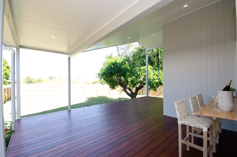 EllisDevelopments_RearPatio_Hamptons_Townsville_BuildersBlogHeader_GorgeousDesign.jpg