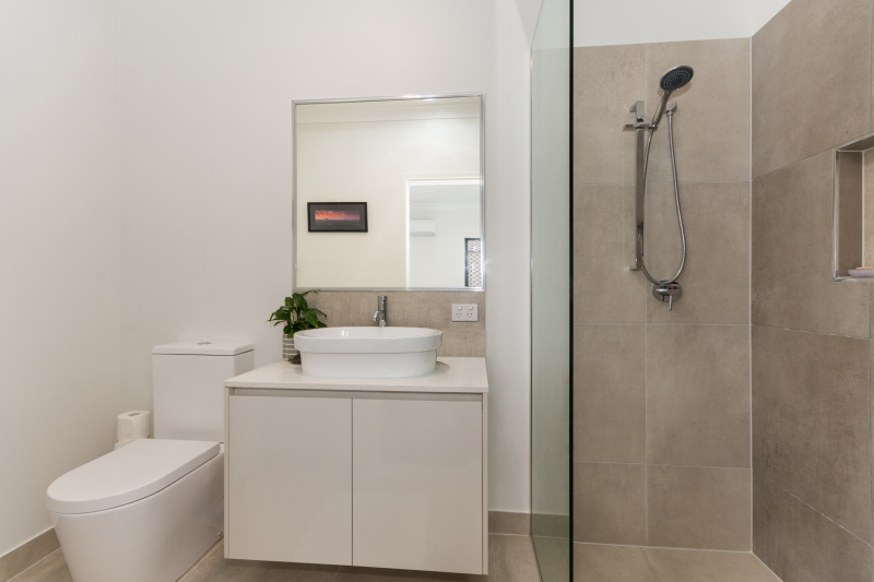 EllisDevelopments_Bathroom1_Oasis_Townsville_Builders_GorgeousDesign.jpg