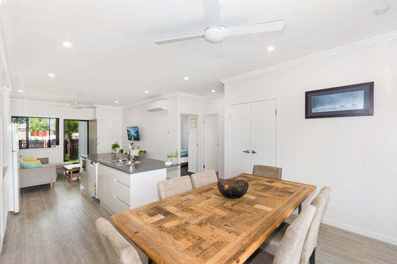 EllisDevelopments_LivingAreas_Oasis_Townsville_Builders_GorgeousDesign.jpg