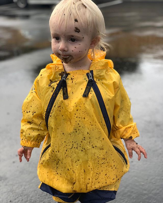 🌧 Mud for days 🌧 - - -  Our little stars comfy in the wet weather!!! - - - Cultivating a feeling of belonging and safety  for your children is our mastery.  The greatest staff, combined with an environment you will be proud of.  Lock in a visit through the link in our bio - - - #futurefocuskids #futurefocus #family #parents #children #aplacetobelong #love #papamoabeach #safe #belong #care #curious #hauora #turangawaewae #manaakitanga #mahira