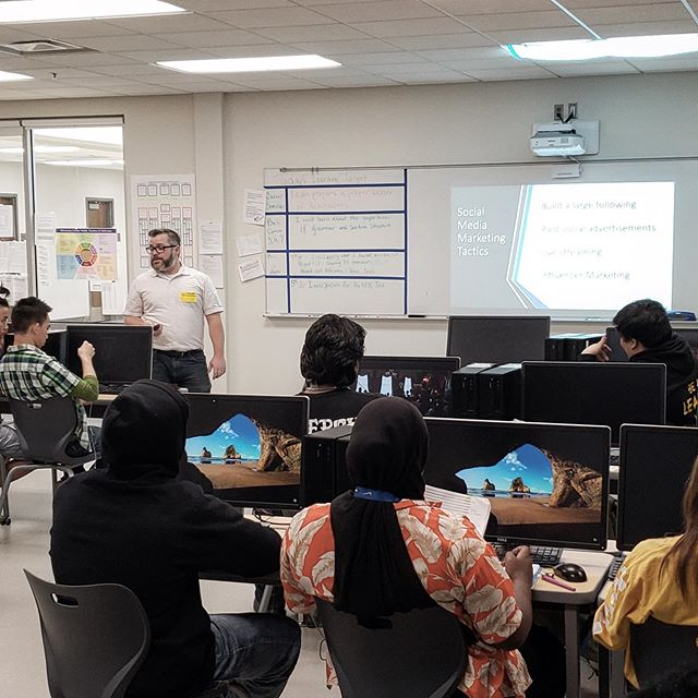 A fun day teaching Social Media Marketing to the great students at Como Park High School! (Program and photo credit to @kt_t_8 !)