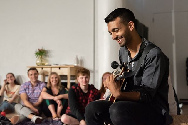 We love playing @sofarsounds shows. The audiences are attentive, the vibes are great, and we always get to see two other incredible artists. We've been chilling a bit since we got back from France, but we are playing another show with @sofarnyc on Wednesday! Roll thru at the link in our bio. Rumor has it that there will be free chips & guac, which is pretty hype. • We're planning out the rest of our year and have some cool stuff coming. Keep an eye out for new music, as well as some video and show announcements 💙 In the meantime, keep streaming our stuff, check out our Youtube vids, and share some of these tracks with your friends. • • • 📷: @katiemarriner #nycmusic #livemusic #rhythmandblues #indiemusic