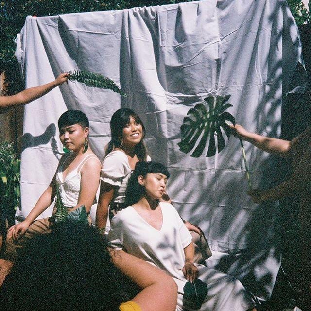 brwn papaya 🌿 a @brwngrlz x @brownpapaya collaboration.  digital photographer @mani.obra  film photographer @pointandshootshorty coming september 2019