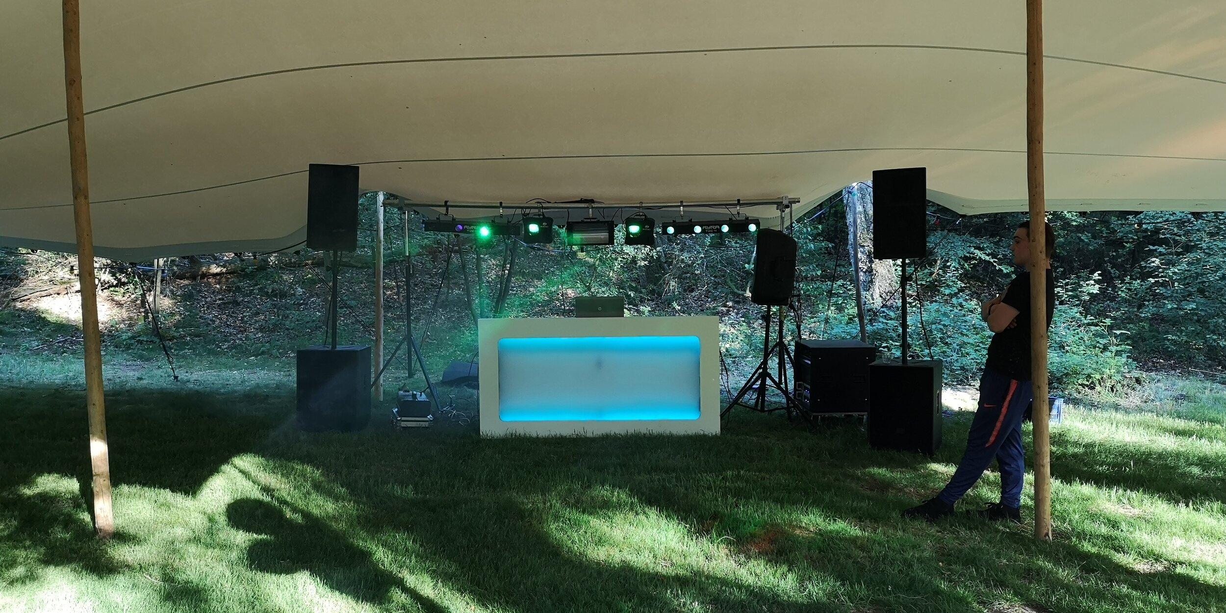 DJ-inhuren-feest-apparatuur-02.jpg