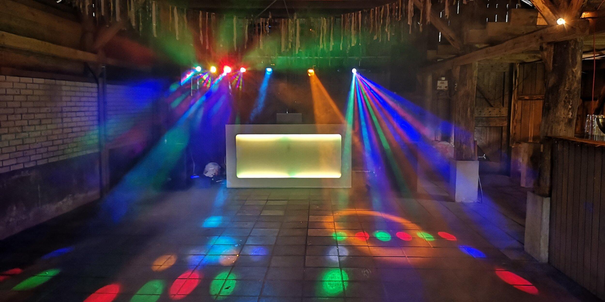 DJ-inhuren-feest-apparatuur-10.jpg