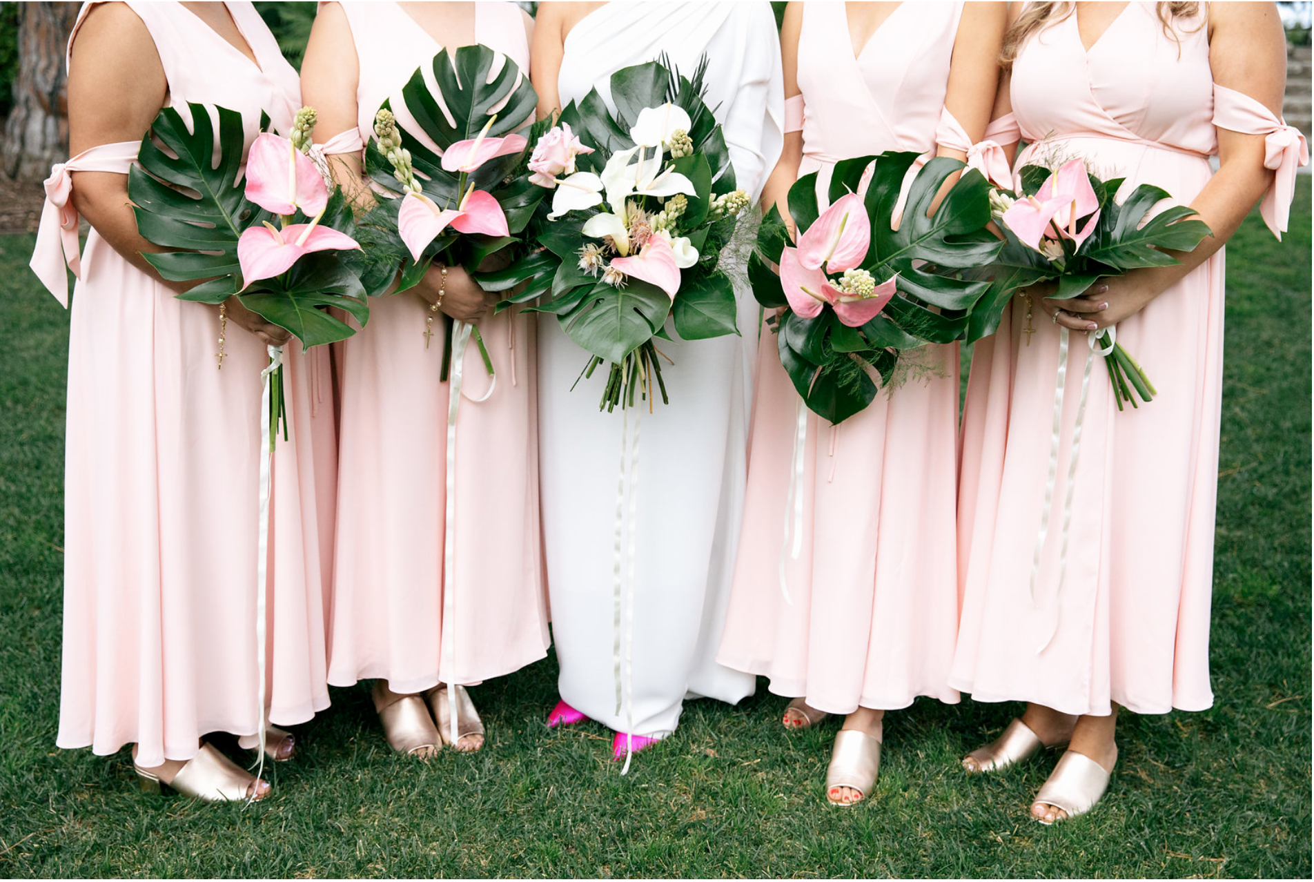 Adriana & her bridesmaids- Photo: Jenn Emerling