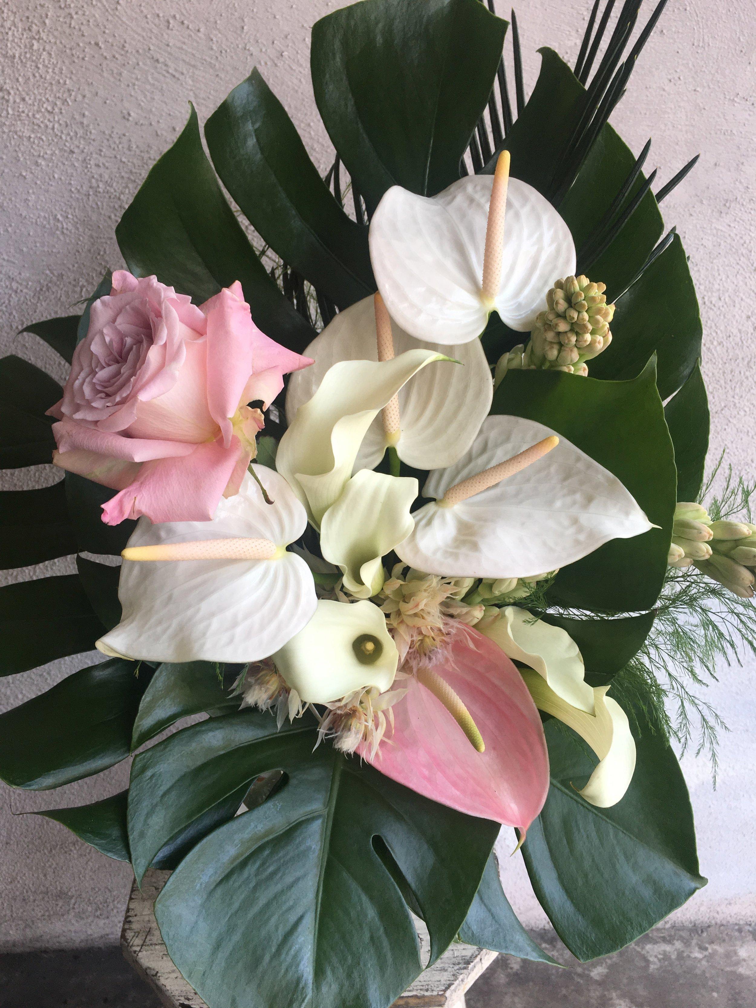 Adriana's bouquet- Photo: Flores de Bosquez