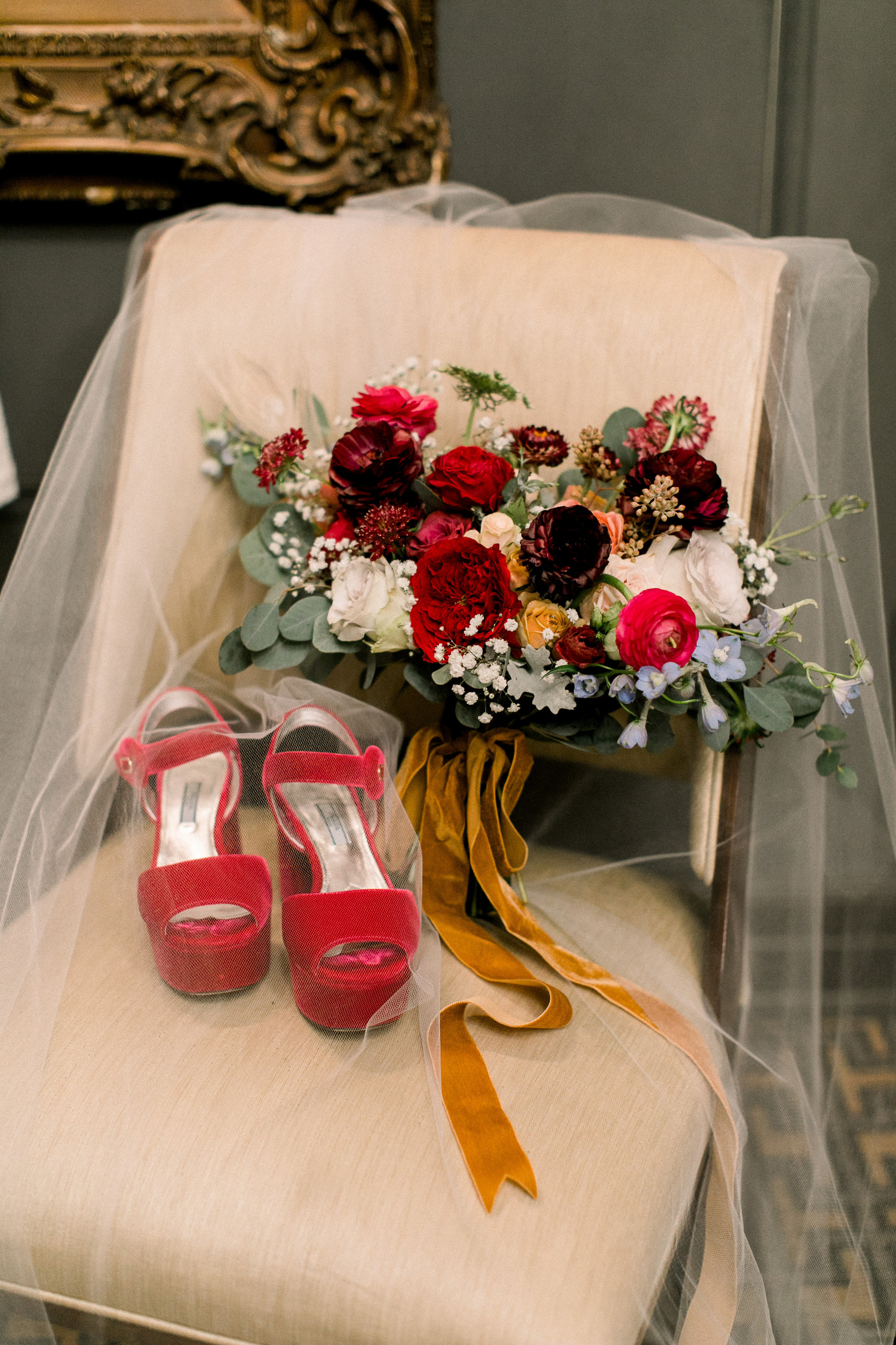 Stephanie's bouquet and accessories- Photo by Sposto Photo