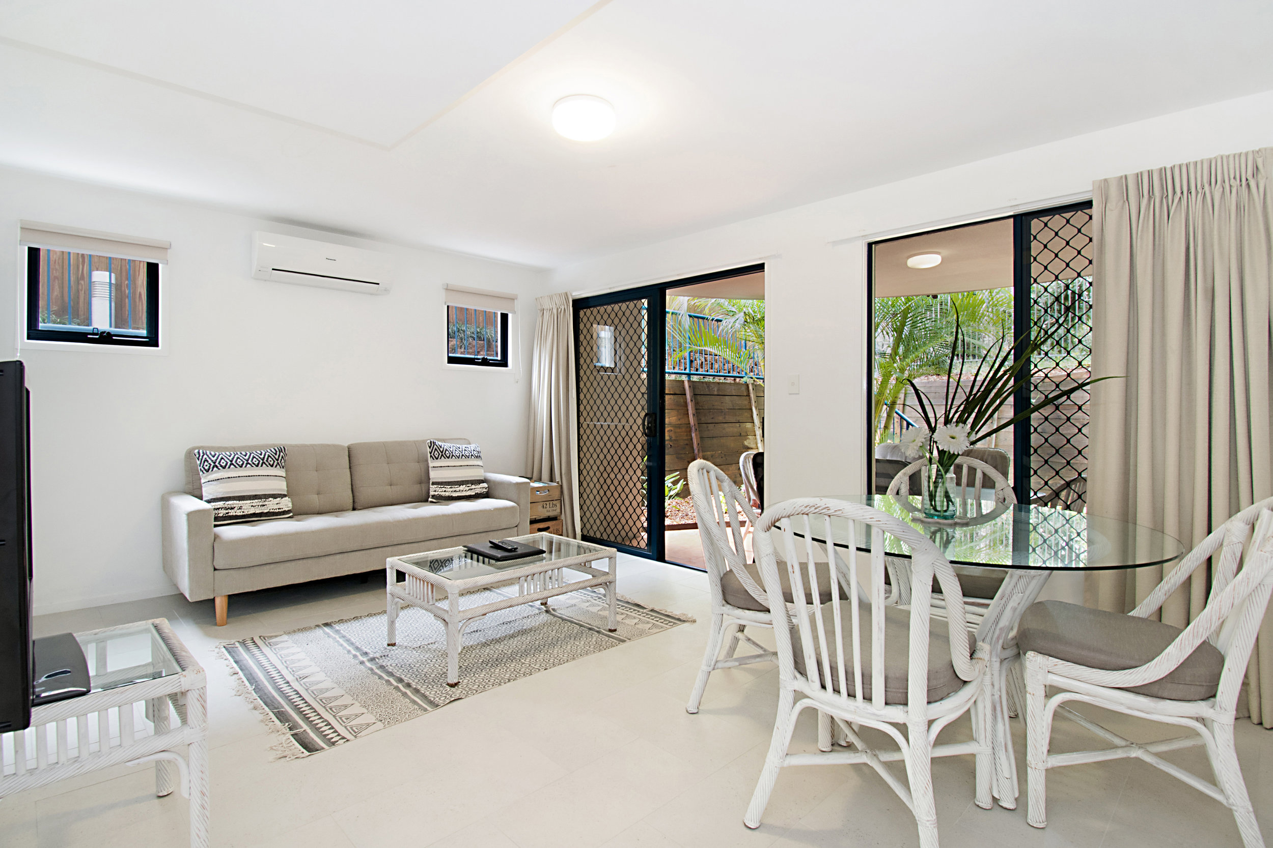 Stunning 2 & 3 bedroom  self-catered accommodation in the heart of Byron Bay   Learn More