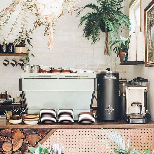 One of our fav local hangs ☕ via @woodsbangalow / @lululemonausnz . . . . . . . . #byronbay#byron#byronaccommodation#byronbayaccommodation#gosamara#byronbayapartments#byronfamilyholiday#byronattractions#byronlife#byronthingstodo#byroncafe#byronrestaurant#byronshopping#supportlocal#byronfood#fromwhereyoudratherbe#australia#byrontourism#gosamaraapartments#staycayerryday#woodsbangalow#coffee