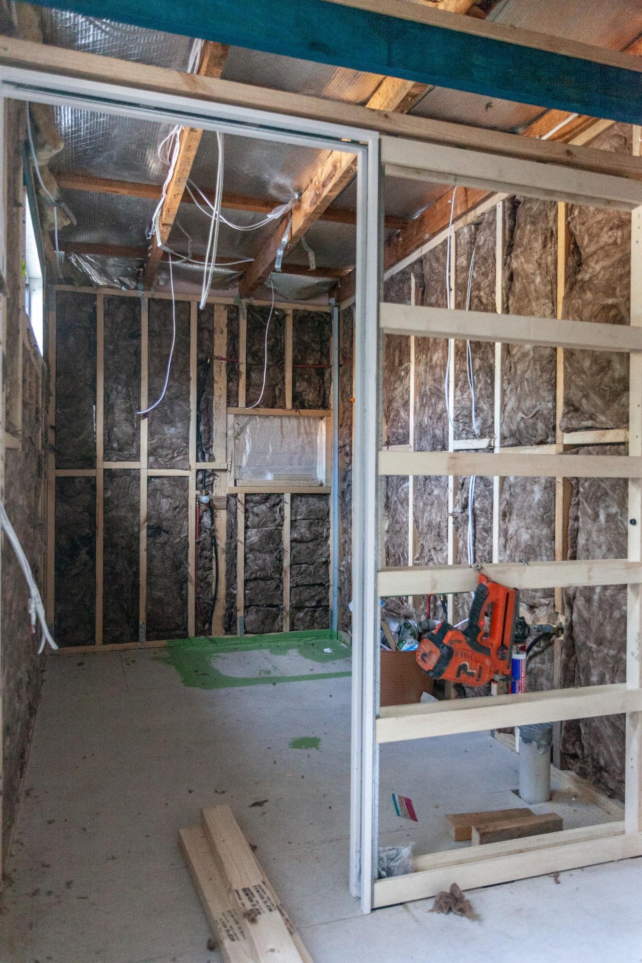 insideandoutgroup_bathrooms_renovations.jpg
