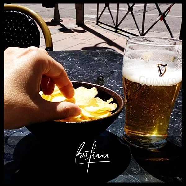 Un finde de verdad no comienza hasta disfrutar de una buena cerveza en nuestra terraza ¡QUEDA INAGURADA la época de terraceo! 😁🍺#bofinnsportsbar #BoFinnMadrid  #BoFinnRestaurante  _ #sportsbar #restaurantesmadrid #gastrobar #sitiosdemadrid #foodie #lovemadrid #bofinn #afterwork #gastropub #cocinamediterranea #callevelazquez #madrid #weekend #deportes #sports #cervecita #terrazasmadrid