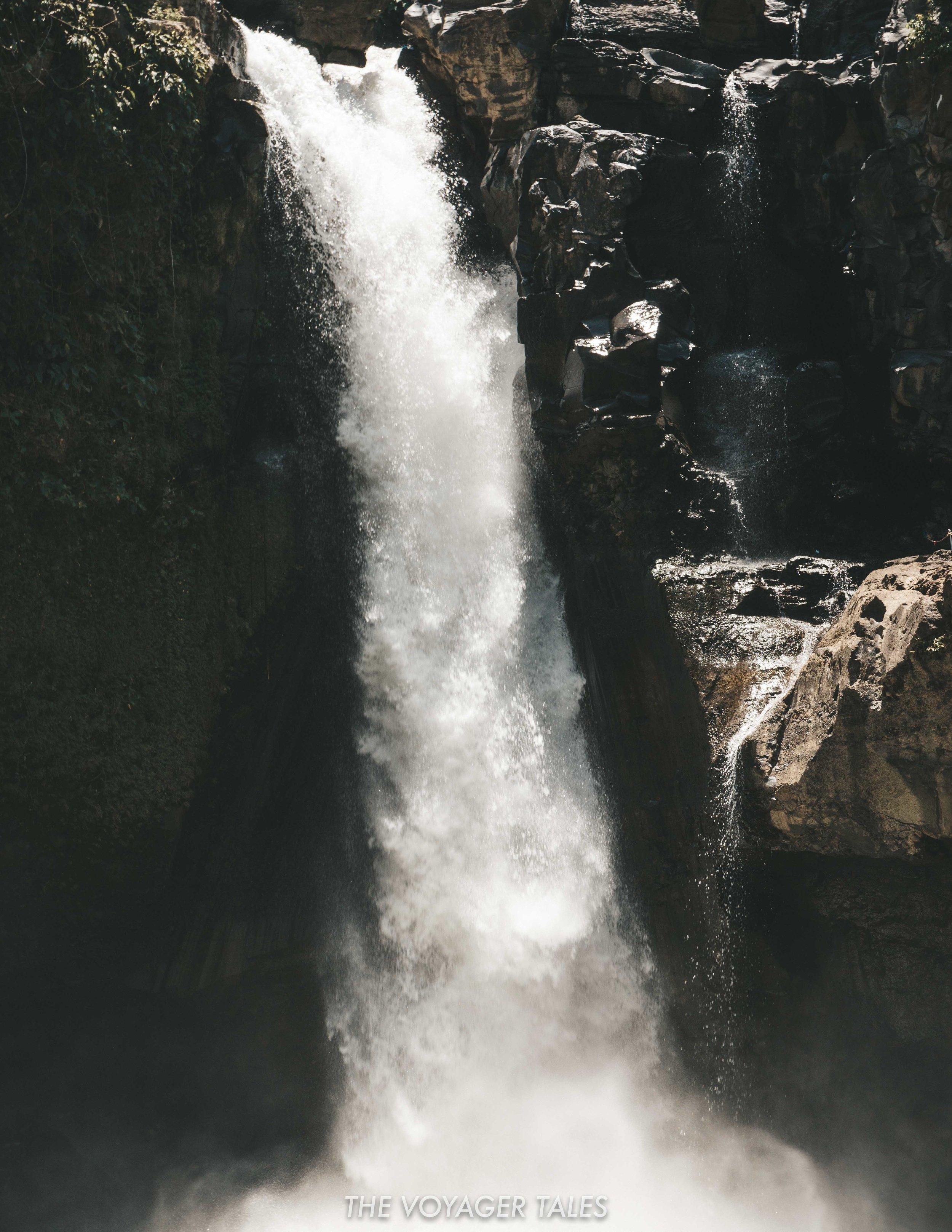 Tegenungan waterfall.jpg