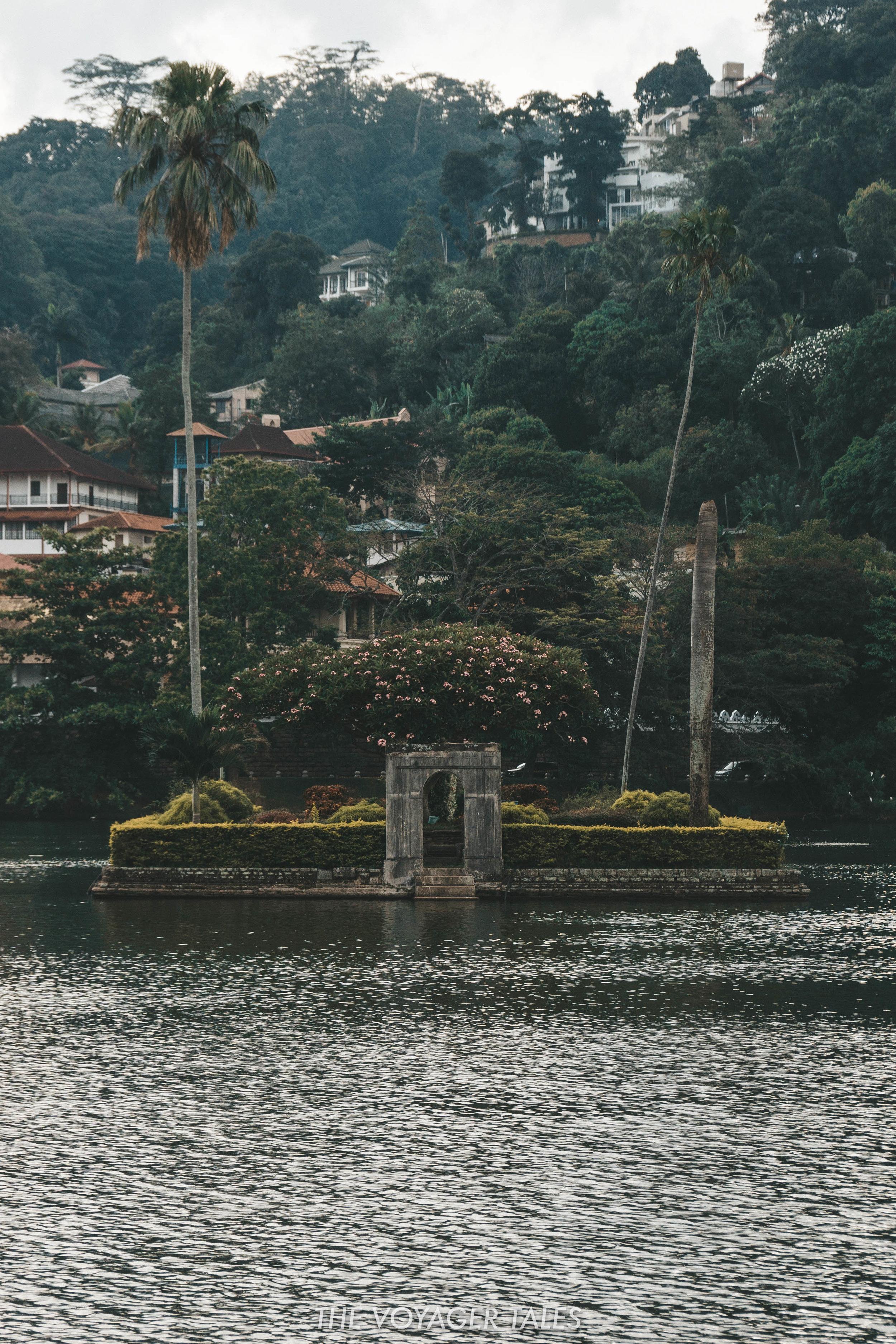 Kandy Lake.jpg
