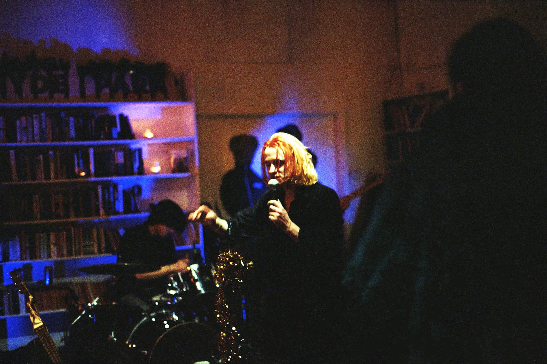 Joshua Truscott, Musico, en Hyde Park Book Club, Leeds