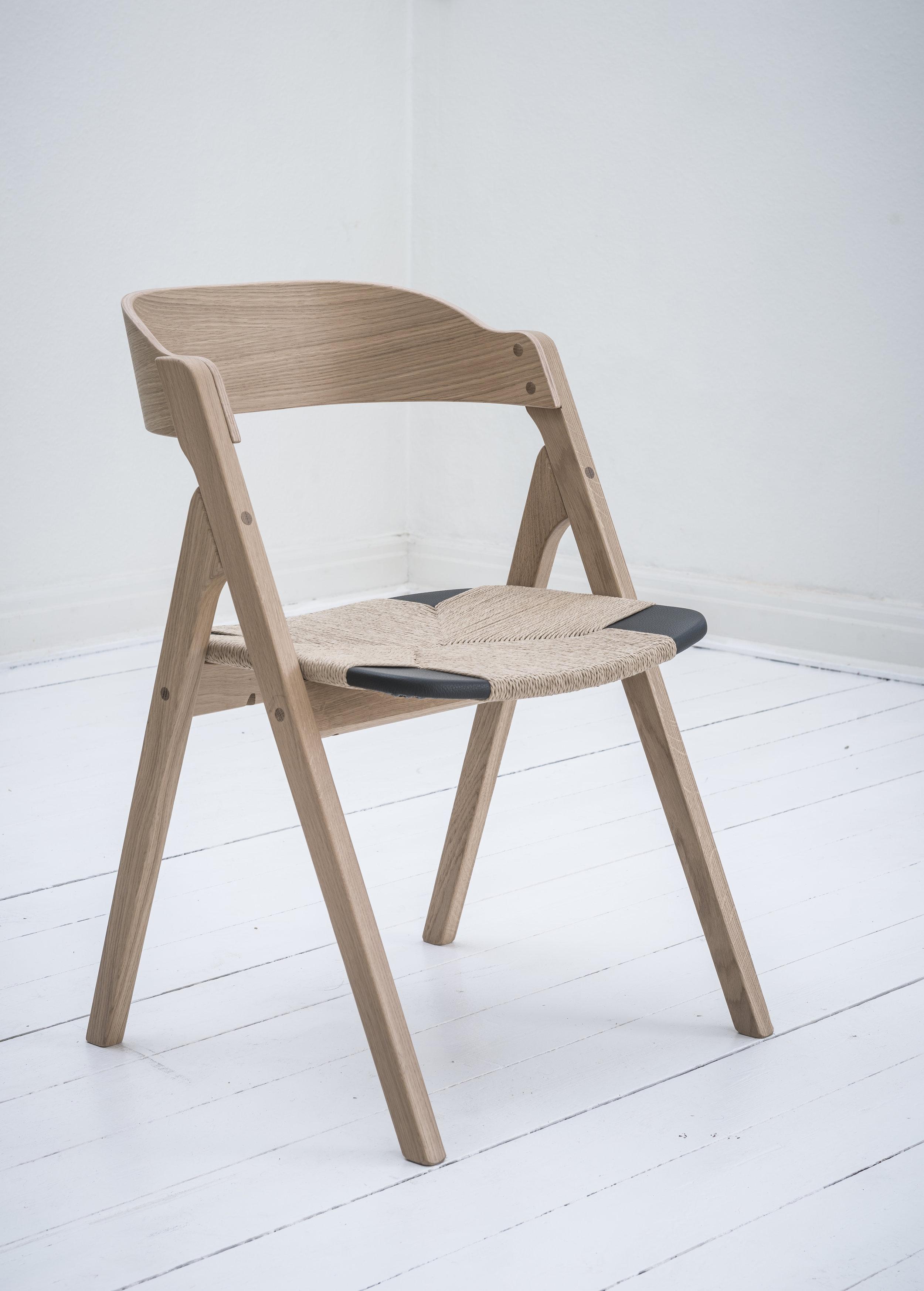 Dece hybrid eg sort sæde osmo 1.jpg