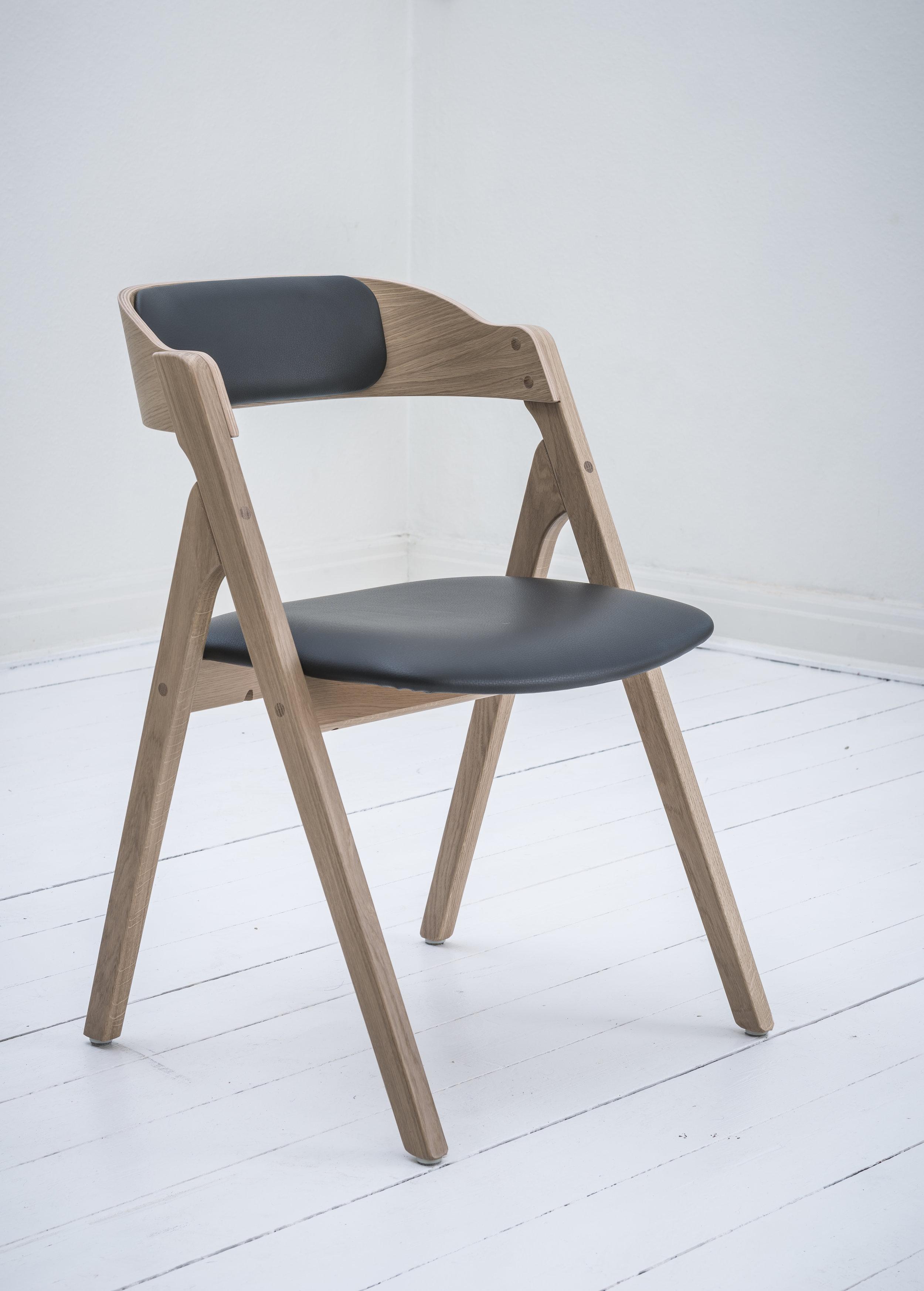 Dece eg sort sæde osmo rygpude.jpg