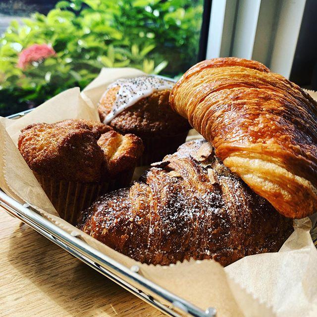 Sunday brunch ❤️❤️ #madrugabakery #pastry #yum