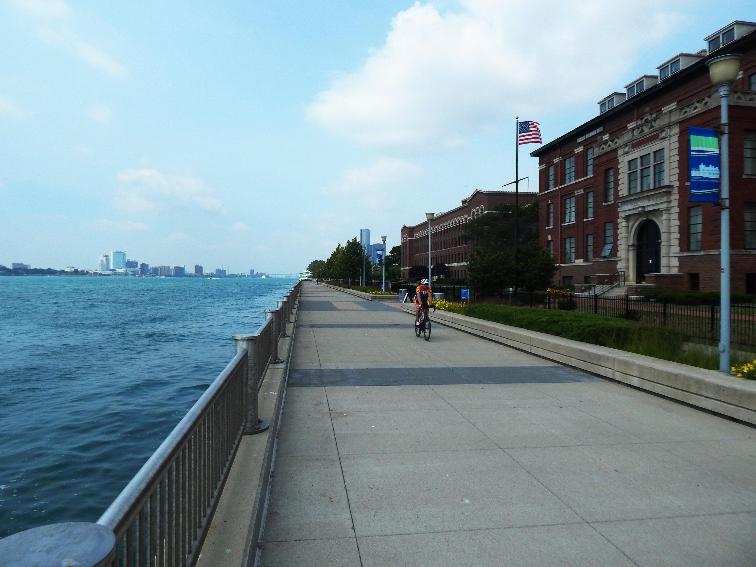 Detroit River Riverfront Riverwalk
