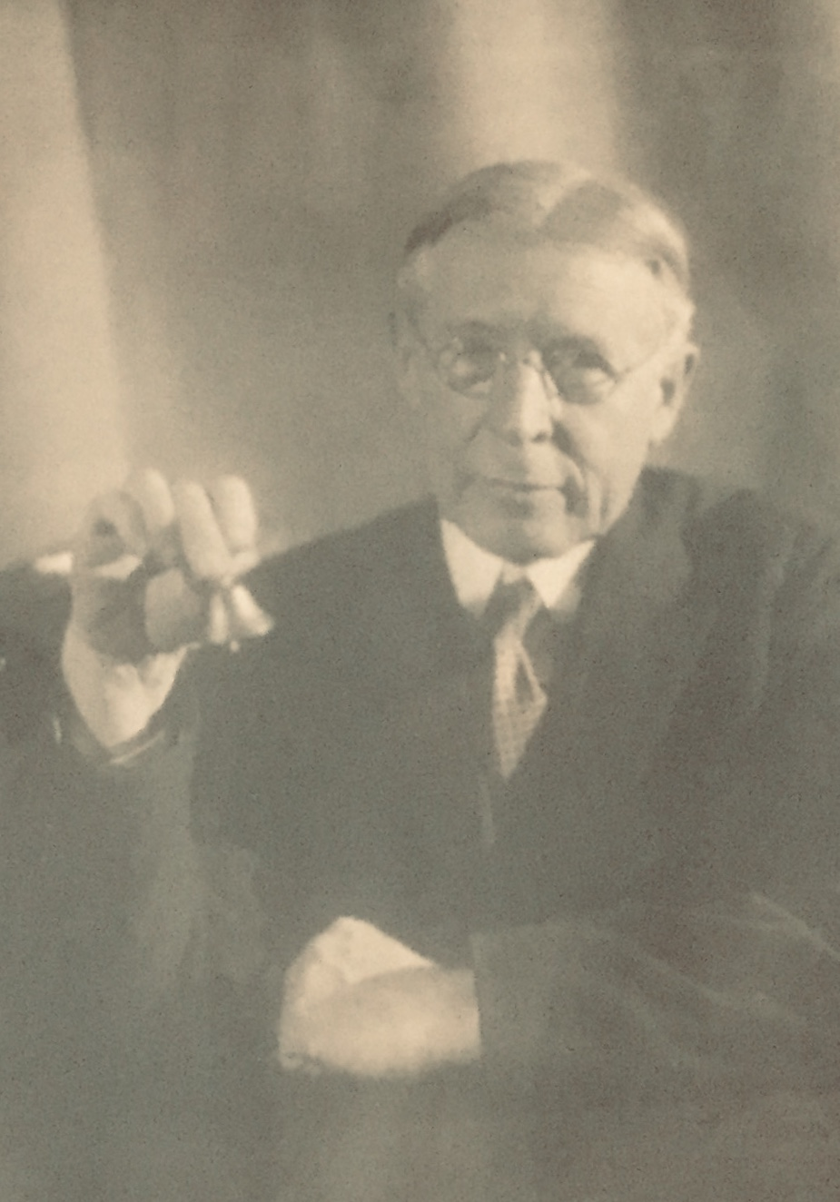 A picture of the eminent paleontologist John M. Clarke from his biography, which was in turn written by eminent paleontologist Charles Schuchert, published by the National Academy of Sciences: http://www.nasonline.org/publications/biographical-memoirs/memoir-pdfs/clarke-john-m.pdf .