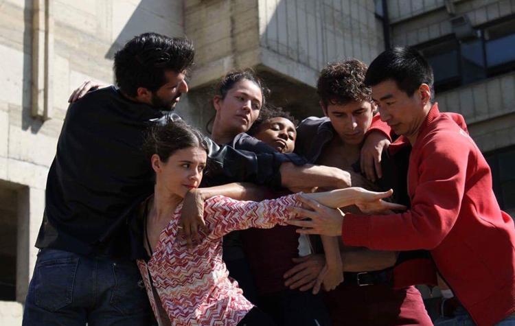 RRUGË E GJATË DHE ME KTHESA - Drejtori Ahmet BrahimajKoreograf Darrel Toulon