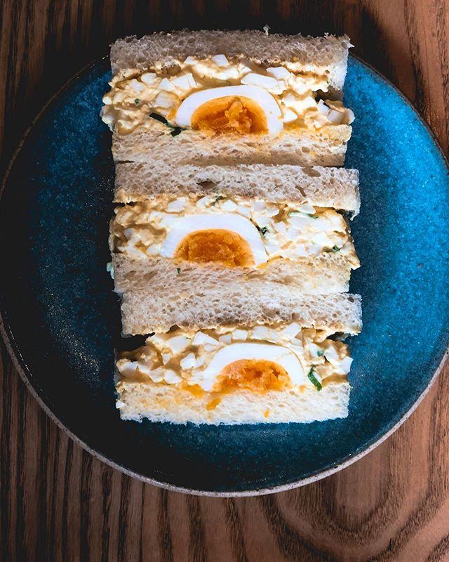 All the 🥚🥚🥚 •••••••••••••••• @konbi •••••••••••••••• #silverlake #sandwich #egg #echopark #サンドイッチ #eggs #yolkporn #yolk #atwatervillage #losfeliz #toast #brunch #bacon #샌드위치 #avocado #eaglerock #omelette #studiocity #tomato #eggporn #northhollywood #sandwichporn #sandwiches #bread #pastrami #朝ごはん #朝ごパン #ブランチ #westhollywood #브런치