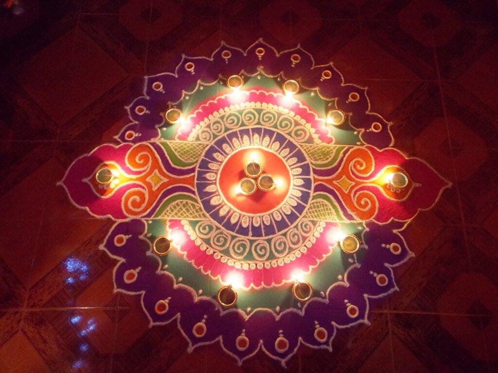 Diya_deepak_Diwali_rangoli_in_goa.JPG