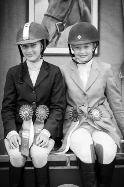 Bella & Gigi Hadid, all Smiles and Blue Ribbons