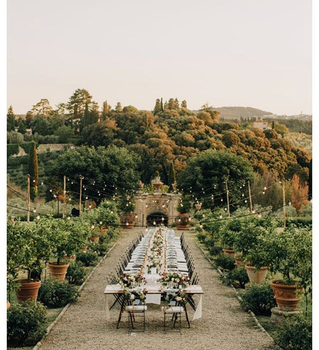 Oh man, so much to say about this amazing Tuscany wedding on @greenweddingshoes. Dream location, venue, planner, photographer, couple- so pretty! • • • Vendor credits: photog: @paulaohara |event design: @alisetaggart | video: @cinematictide | venue: @villamediceadililliano